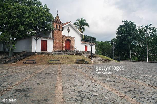 iglesia de san antonio, santiago de cali, colombia - cali colombia stock pictures, royalty-free photos & images