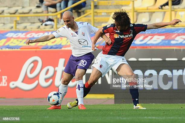 Iglesias Borja Valero of ACF Fiorentina competes the ball with Renè Khrin of Bologna FC during the Serie A match between Bologna FC and ACF...