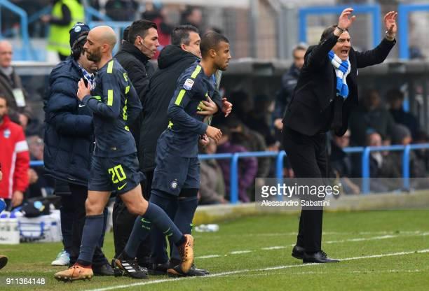 Iglesias Borja Valero of FC Internazionale replaces Rafael Alcântara do Nascimento Rafinha of FC Internazionale during the serie A match between Spal...