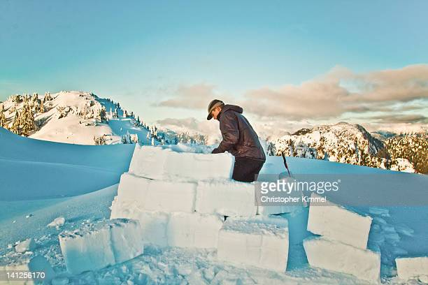 igloo building - igloo stock pictures, royalty-free photos & images