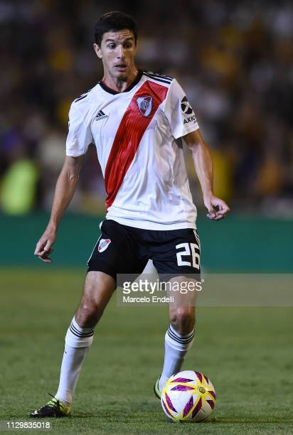 Ignacio Fernandez of River Plate drives the ball during a match between Rosario Central and River Plate as part of Superliga 2018/19 at Estadio...