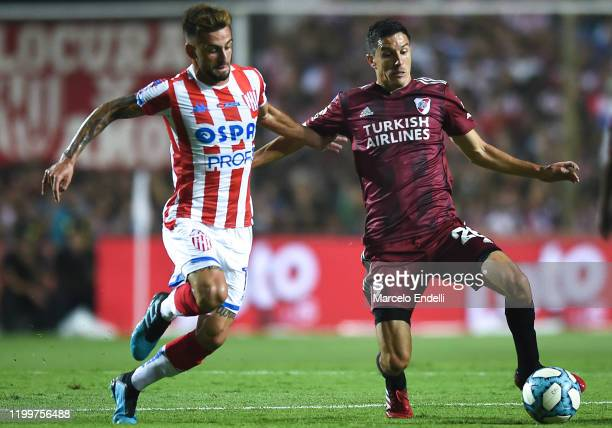 Ignacio Fernandez of River Plate kicks the ball during a match between Union and River Plate as part of Superliga 2019/20 at 15 de Abril Stadium on...