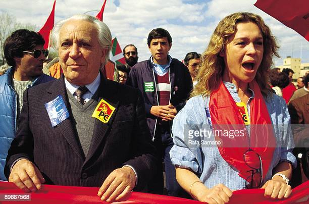 Ignacio Gallego and Pepa Flores in a demonstration Ignacio Gallego and Pepa Flores with a banner in a demonstration against NATO