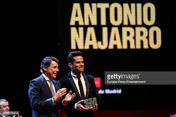 Ignacio Gonzalez and Antonio Najarro attend the 'Teather' 2013 award from Madrid Regional President Ignacio Gonzalez on December 2 2014 in Madrid...