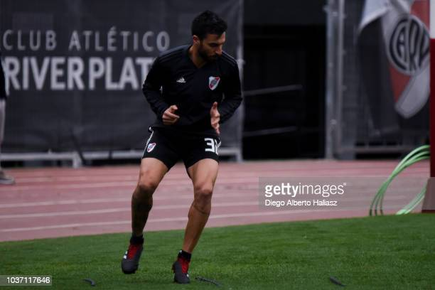 Ignacio Scocco exercises during a River Plate training session at Estadio Monumental Antonio Vespucio Liberti on September 14 2018 in Buenos Aires...