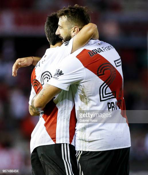 Ignacio Scocco of River Plate celebrates with teammate Lucas Pratto after scoring the second goal of his team during a match between River Plate and...