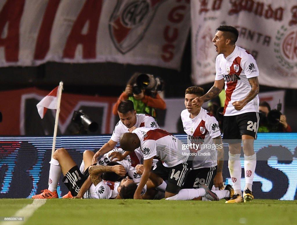River Plate v Lanus - Copa CONMEBOL Libertadores 2017 : News Photo