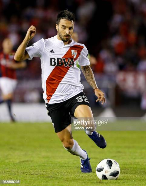 Ignacio Scocco of River Plate drives the ball during a match between River Plate and San Lorenzo as part of Superliga 2017/18 at Estadio Monumental...