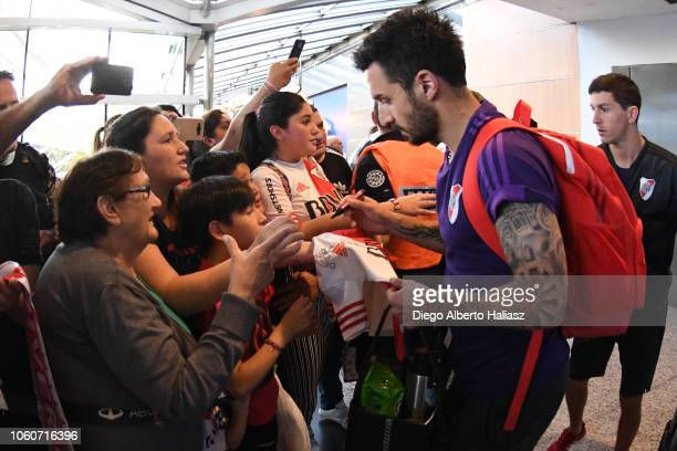 Ignacio Scocco of River Plate gets ready for the flight to Porto Alegre at Jorge Newbery Domestic Airport on October 28 2018 in Buenos Aires...