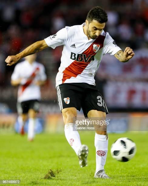 Ignacio Scocco of River Plate kicks the ball during a match between River Plate and Estudiantes de La Plata as part of Superliga 2017/18 at Estadio...