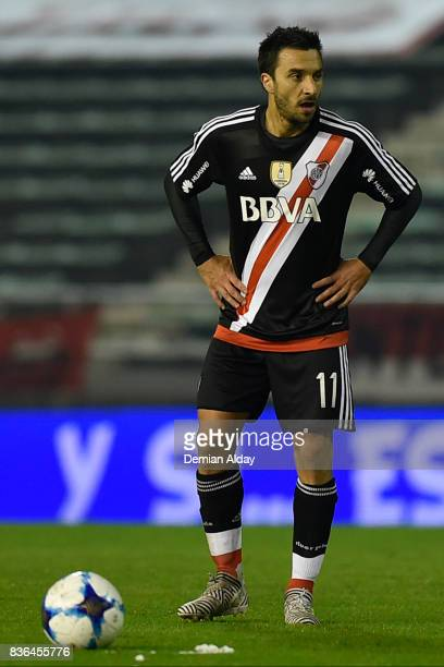 Ignacio Scocco of River Plate sets up for a free kick during a match between River Plate and Instituto as part of round 16 of Copa Argentina 2017 at...