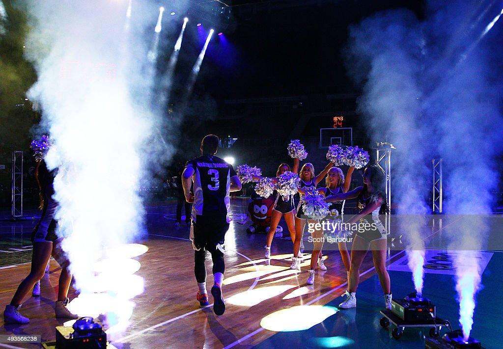 NBL Round 3 - Melbourne v Townsville : News Photo
