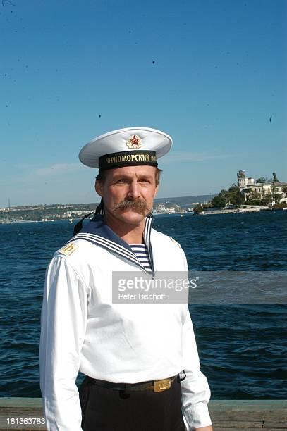 """Igor Malachow, Solist vom """"Marinechor der Schwarzmeerflotte"""", Porträt, Sevastopol, Ukraine, , Prod..-Nr.: 1496/2006, Portrait, Uniform, Matrose,..."""