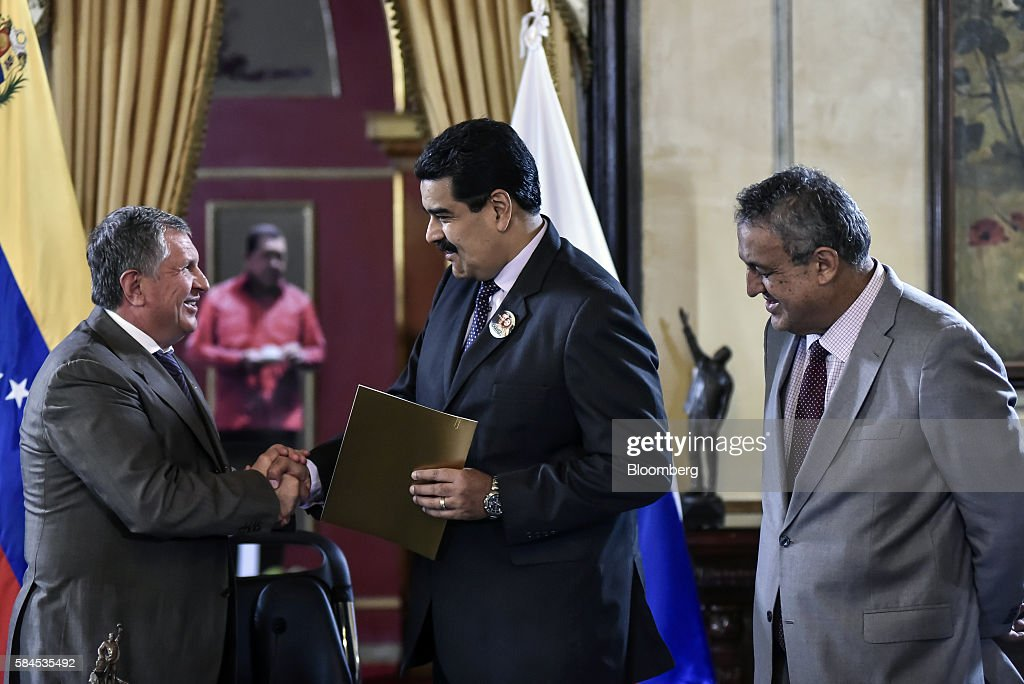Venezuelan State Oil Company Petroleos De Venezuela PDVSA And Russian Oil Producer Rosneft Sign An Agreement