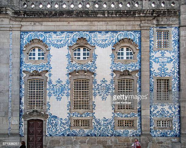 igreja do carmo churchin  porto, portugal - portuguese culture stock pictures, royalty-free photos & images
