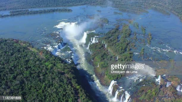 iguassu waterfall brazil argentina - イグアス滝 ストックフォトと画像