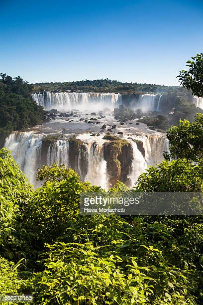 iguaçu waterfalls, unesco world heritage site - フォスドイグアス ストックフォトと画像
