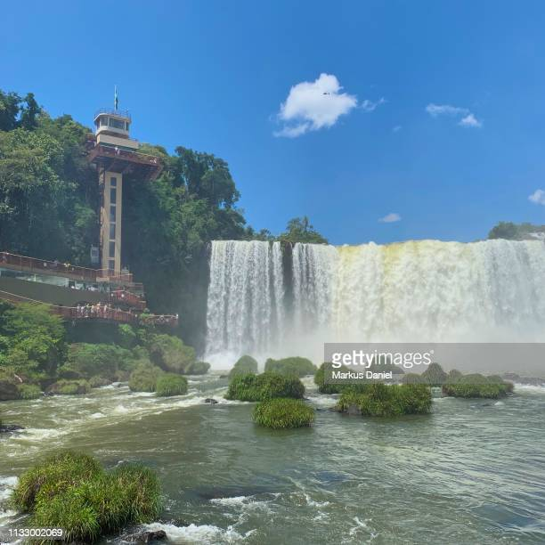 "iguazu falls (cataratas do iguaçu, brazil) elevator tower and observation platform - ""markus daniel"" stock-fotos und bilder"