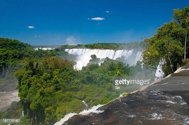 イグアスの滝 - フォスドイグアス ストックフォトと画像