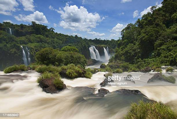 iguazu waterfall - フォスドイグアス ストックフォトと画像
