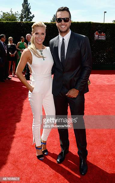 iHEARTRADIO MUSIC AWARDS Pictured Caroline Boyer and singer Luke Bryan arrive at the iHeartRadio Music Awards held at the Shrine Auditorium on May 1...