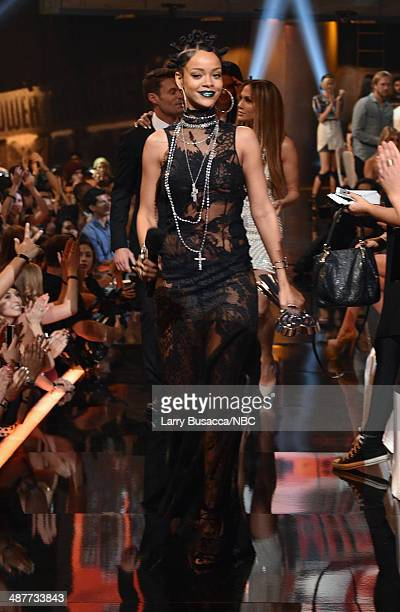 iHEARTRADIO MUSIC AWARDS Pictured Singer Rihanna accepts the award for Artist of the Year onstage during the iHeartRadio Music Awards held at the...