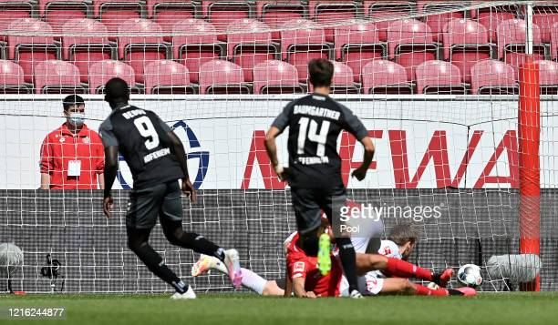 Ihlas Bebou of TSG 1899 Hoffenheim scores his team's first goal during the Bundesliga match between 1. FSV Mainz 05 and TSG 1899 Hoffenheim at Opel...