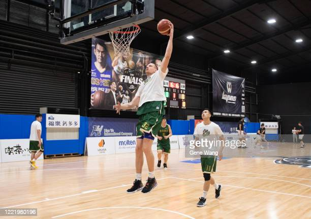 Ihor Zaytsev of Taiwan Beer practices prior to the SBL Finals Game Six between Taiwan Beer and Yulon Luxgen Dinos at Hao Yu Trainning Center on April...