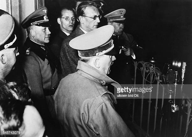IIIReich annexation 'Anschluss' of Austria 12 march 1938 Hitler on his journey through Austria arrival at Linz H on the balcony of the city hall left...
