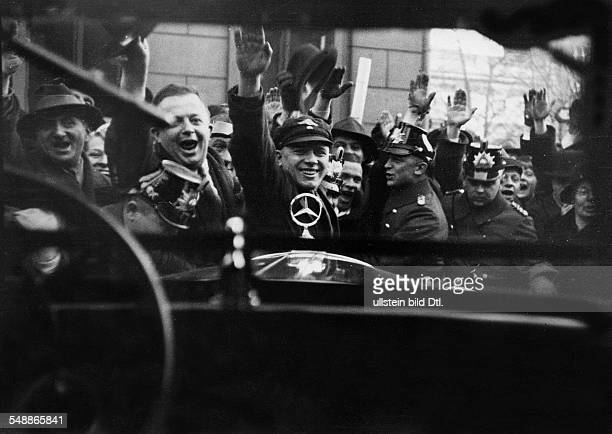 IIIReich Seizure of power NSDAP appointment of Hitler as chancellor of the Reich Hitler leaving the old chancellery Wilhelmstrasse after reception...