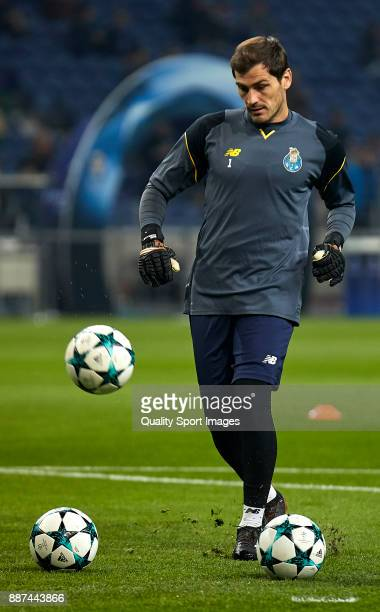 Iker Casillas of FC Porto warms up prior to the UEFA Champions League group G match between FC Porto and AS Monaco at Estadio do Dragao on December 6...