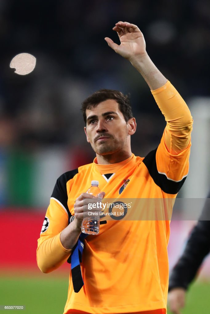 Iker Casillas of FC Porto waves at the end of the UEFA Champions League Round of 16 second leg match between Juventus and FC Porto at Juventus Stadium on March 14, 2017 in Turin, Italy.