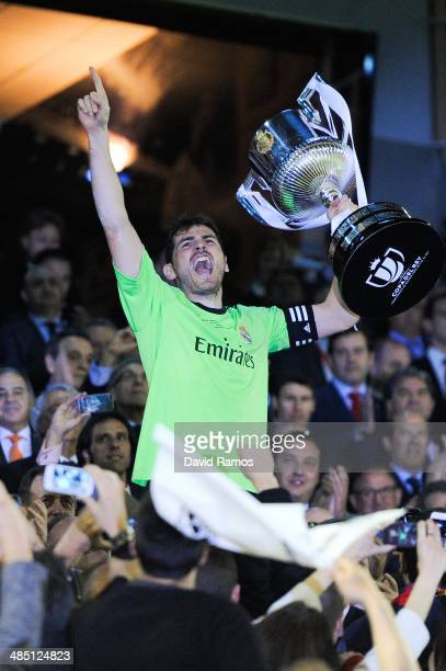Iker Casillas of Real Madrid CF celebrates with the trophy after winning the Copa del Rey Final between Real Madrid and FC Barcelona at Estadio...