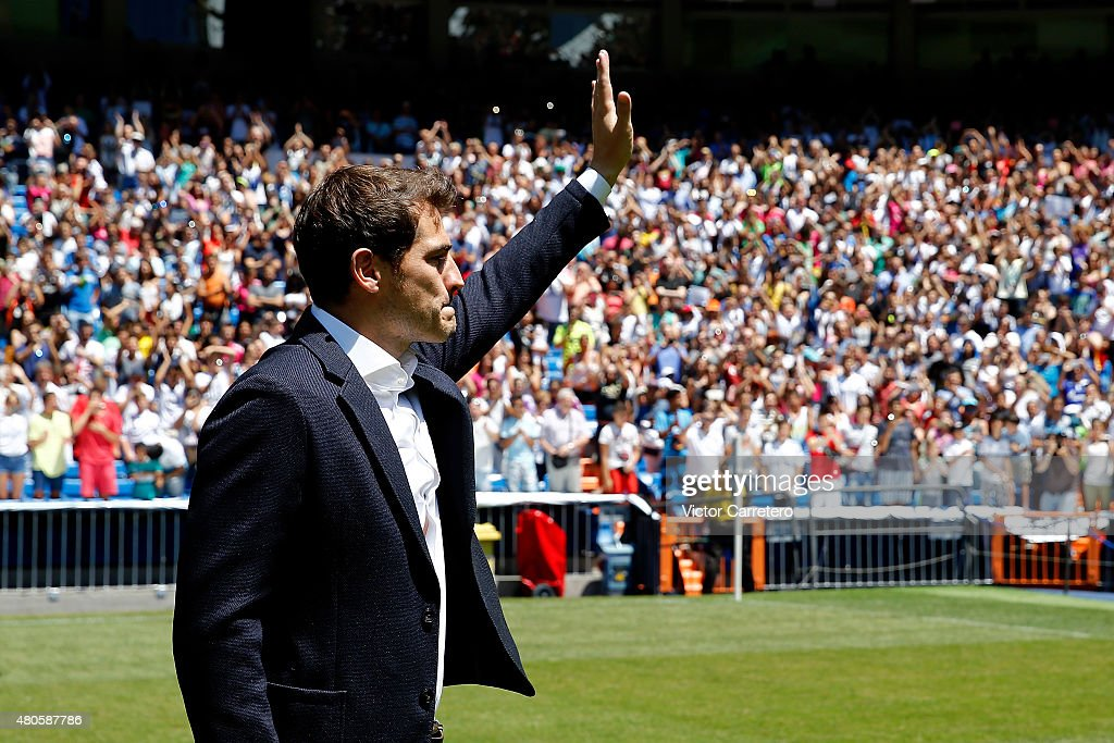 Iker Casillas Leaves Real Madrid - Press Conference : News Photo