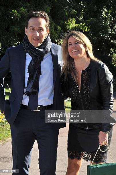 Iker Jimenez and Carmen Porter attend the reception to the Onda Awards 2015 winners photocall on November 24 2015 in Barcelona Spain