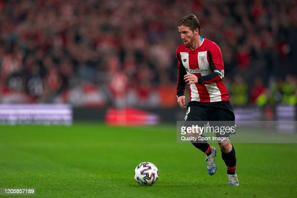 Iker Muniain of Athletic Club with the ball during the Copa del Rey SemiFinal 1st leg match at San Mames Stadium on February 12 2020 in Bilbao Spain