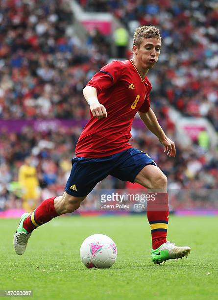 Iker Muniain of Spain controls the ball during the Men's Football first round Group D match between the Spain and Morocco on Day 5 of the London 2012...