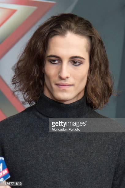 Il frontman del gruppo Maneskin Damiano David al red carpet in occasione della finale della trasmissione televisiva X Factor Italia. Milano, 13...