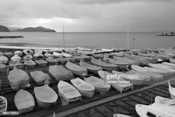 il mare d'inverno - inverno stock pictures, royalty-free photos & images