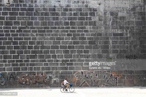 il muro - muro stock photos and pictures