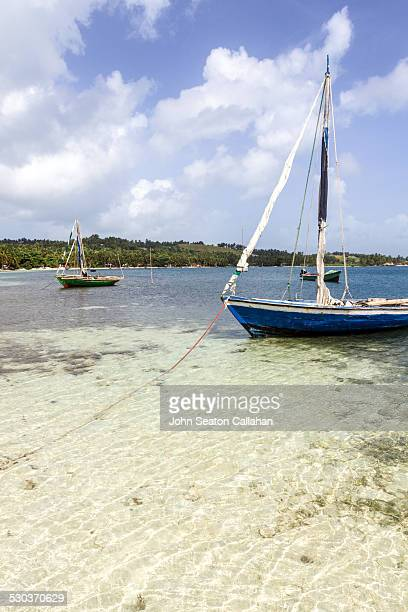 ile a vache, boats - vache stock photos and pictures