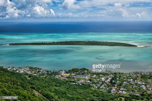Ile Aux Benitiers aerial view from Mauritius mountain