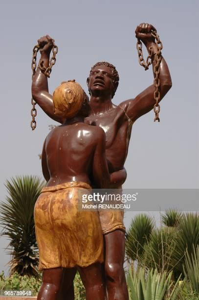 Ile de Goréee représentation de l'esclavage une des actvité de l'ile à l'époque de la traite Ile de Goréee représentation de l'esclavage une des...