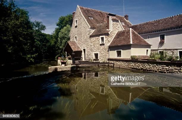 Essonne the water mill in Jarcysurl'Yerres IledeFrance Essonne le moulin à eau de Jarcy sur l'Yerres