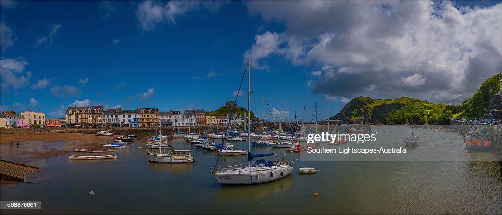 Ilfracombe Harbour : Stock Photo