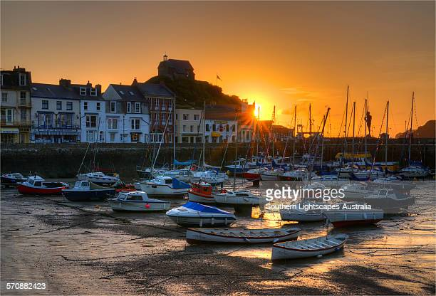 ilfracombe sunrise - ilfracombe stock photos and pictures