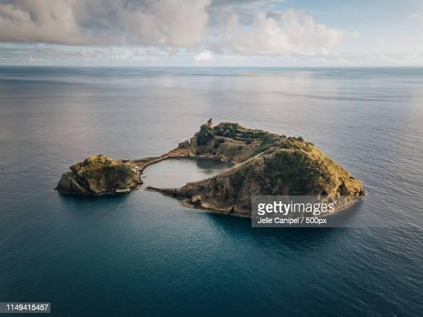 ilhéu de vila franca do campo - aeolian islands stock pictures, royalty-free photos & images