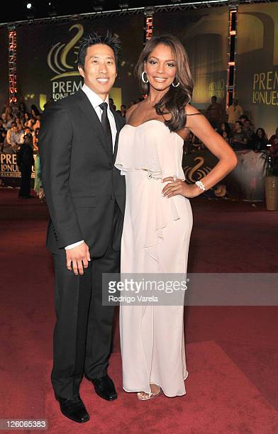 Ilia Calderon and guest arrive at Univision's Premio Lo Nuestro a La Musica Latina Awards at AmericanAirlines Arena on February 17 2011 in Miami...
