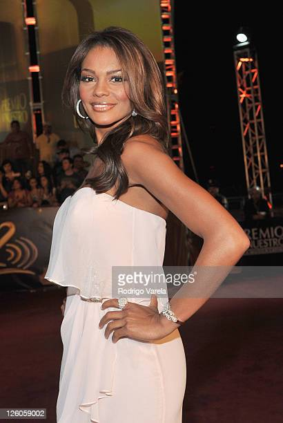 Ilia Calderon arrives at Univision's Premio Lo Nuestro a La Musica Latina Awards at AmericanAirlines Arena on February 17 2011 in Miami Florida