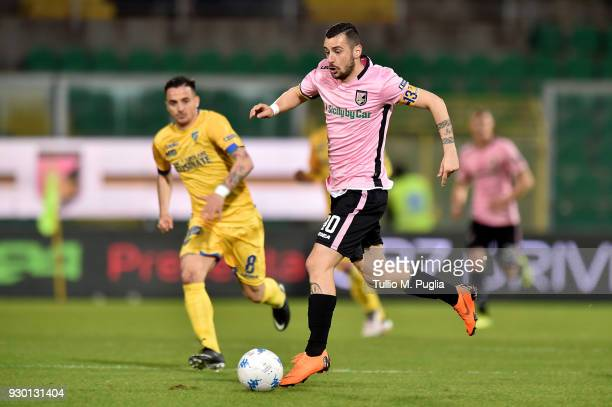 Ilija Nestorovski of Palermo in action during the serie B match between US Citta di Palermo and Frosinone at Stadio Renzo Barbera on March 10 2018 in...